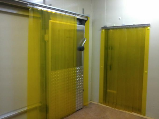 Strip and curtain doors with flexible PVC in cold chamber