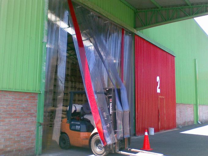 Industrial curtains or strip doors with flexible PVC - EXTRUFLEX
